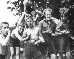 APV_Sammlung_1930 PFILA_ Grp.Gemse - roem.Wagenrennen