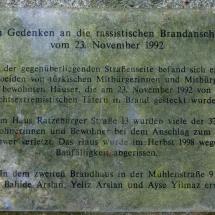 Mölln, Gedenktafel über Tat von Rechtsextremismus